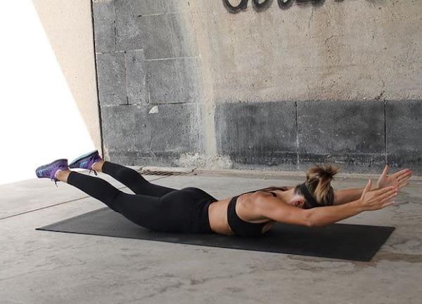 تمرين سوبرمان ثابت لتقوية الظهر