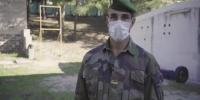 غير عادي: الفيلق الأجنبي يعلمك إيماءات الحاجز!