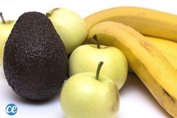 الموز والتفاح والأفوكادو