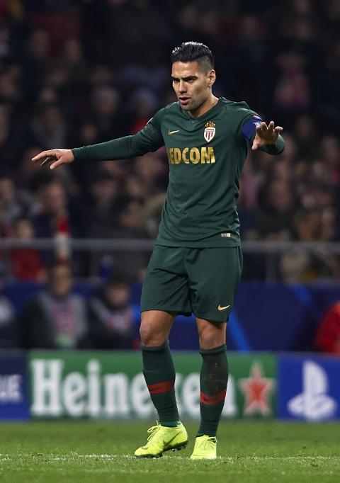 كريستيانو رونالدو يكشف النقاب عن أفضل 10 لاعبين في العالم في القرن الحادي والعشرين ... ميسي يحتل المركز الرابع