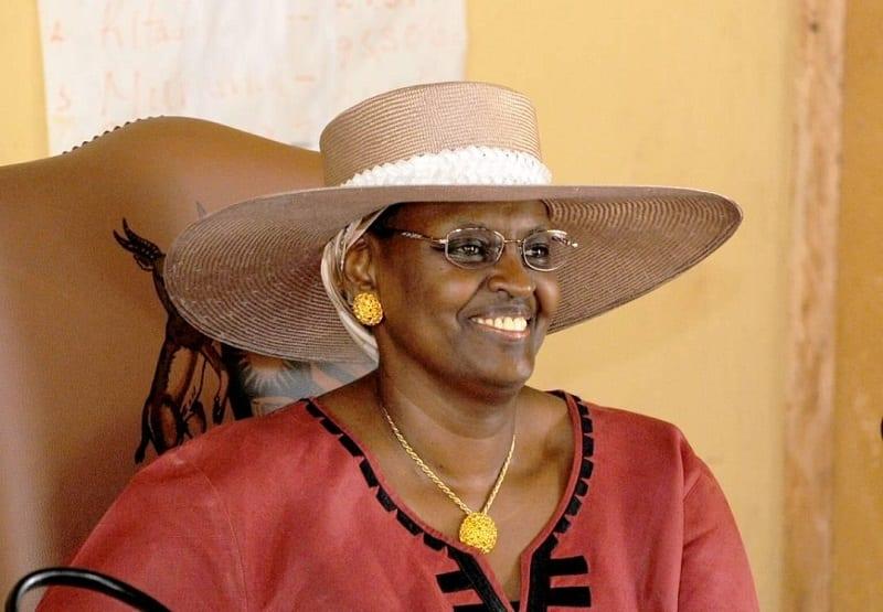 أهم سبع نساء أساسيات في إفريقيا: اكتشفي رتبة السيدة الأولى ، دومينيك واتارا