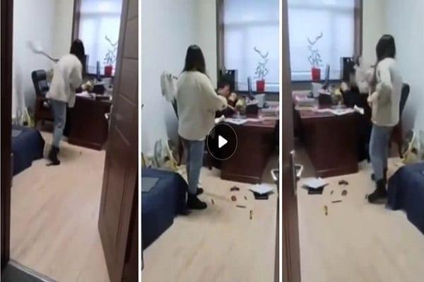سيدة صفعة وجلد بوس مع ممسحة عصا بعد هو أرسل لها رسائل جنسية فيديو أدناه