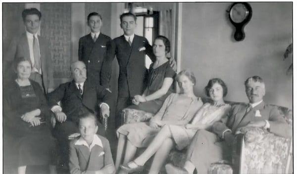 الأمير فيليب: كيف خاطرت والدته بحياتها لإنقاذ اليهود من المعسكرات النازية