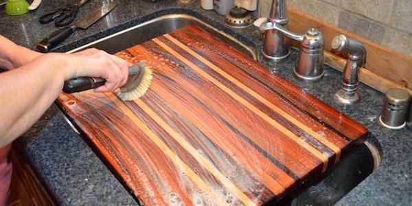 كيفية تطهير لوح التقطيع ببيروكسيد الهيدروجين؟
