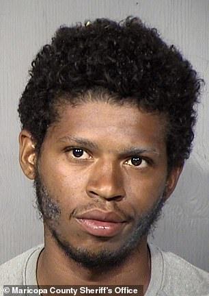إلقاء الممثل براشير جراي في السجن بتهمة الاعتداء على زوجته