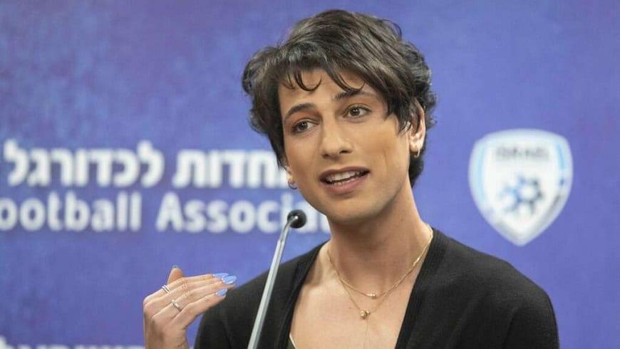 حكم إسرائيلي متحول جنسياً يدير مباراة كرة قدم