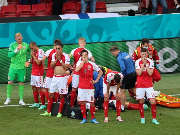 """يورو 2021- كريستيان إريكسن / طبيب الفريق يكشف: """"لقد مات"""""""