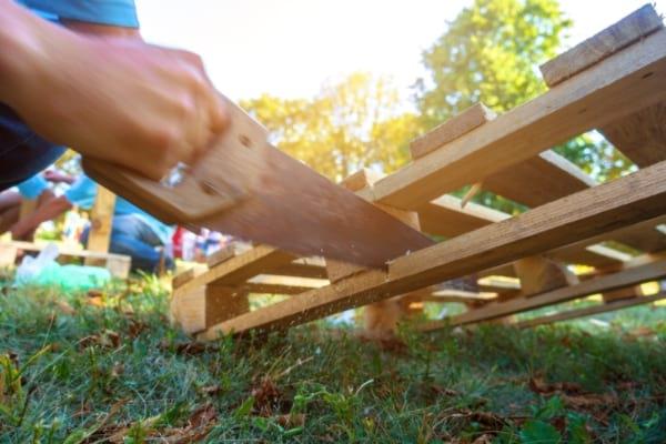 ما نوع البليت الخشبي الذي يجب أن أستخدمه لصنع أثاث قابل للإصلاح؟