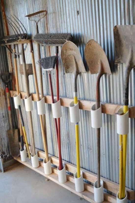 قم بتخزين أدوات الحدائق باستخدام أنابيب PVC