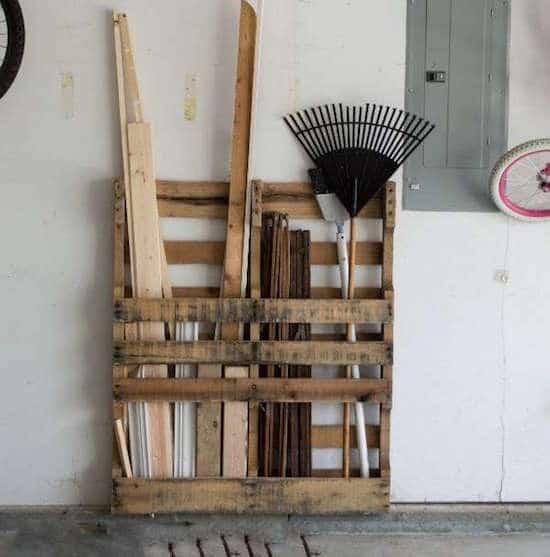 منصة نقالة لتخزين الأدوات