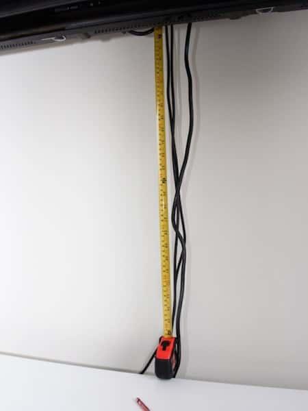 قطع غطاء الكابل الخاص بك بطول الأسلاك الكهربائية.